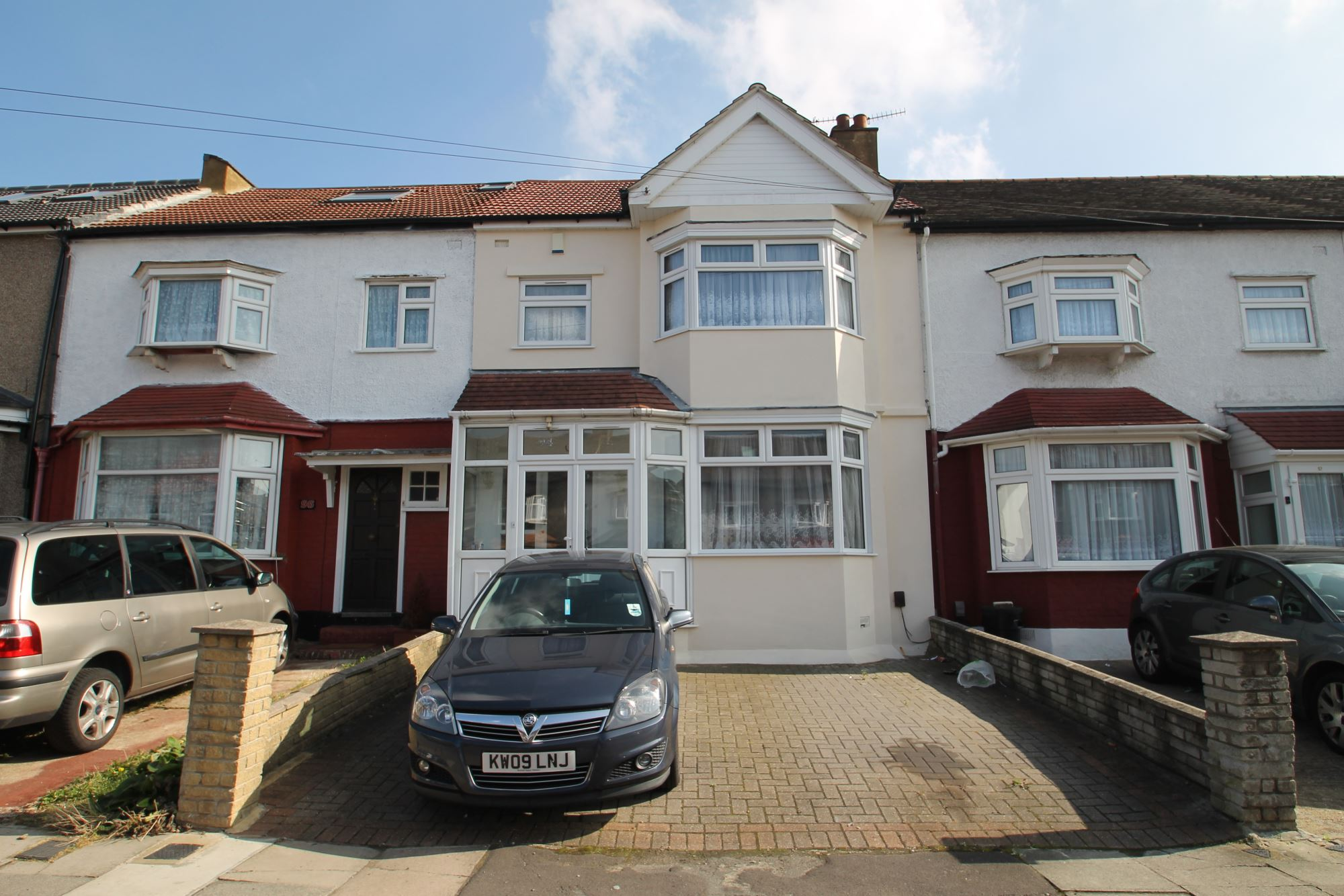 3 Bedroom Terraced House, Qubec Road, Ilford IG2 – £500,000-£525,000 Guide Price