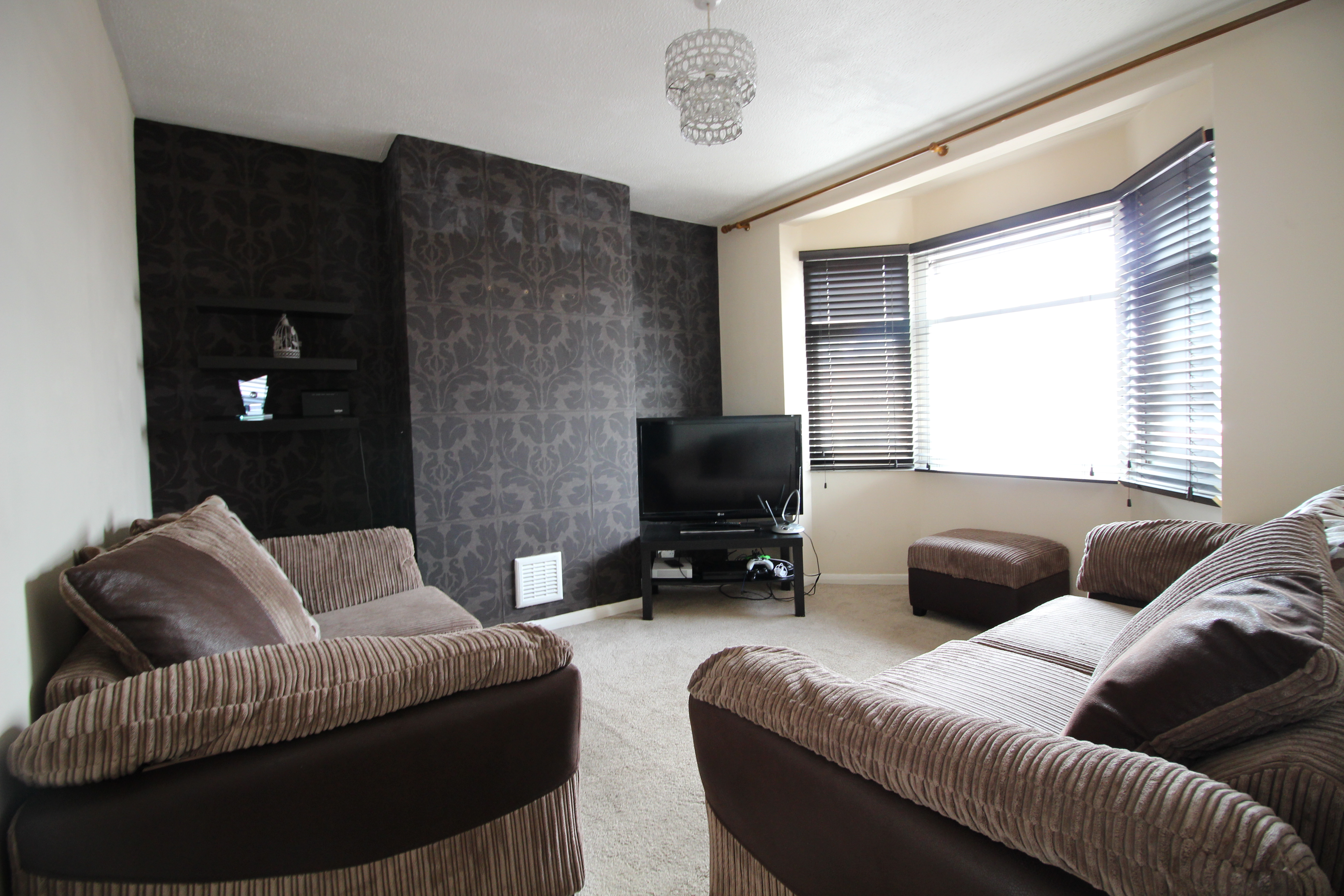 Romford RM1, 1 Bedroom Flat, All Bills included – £277pw