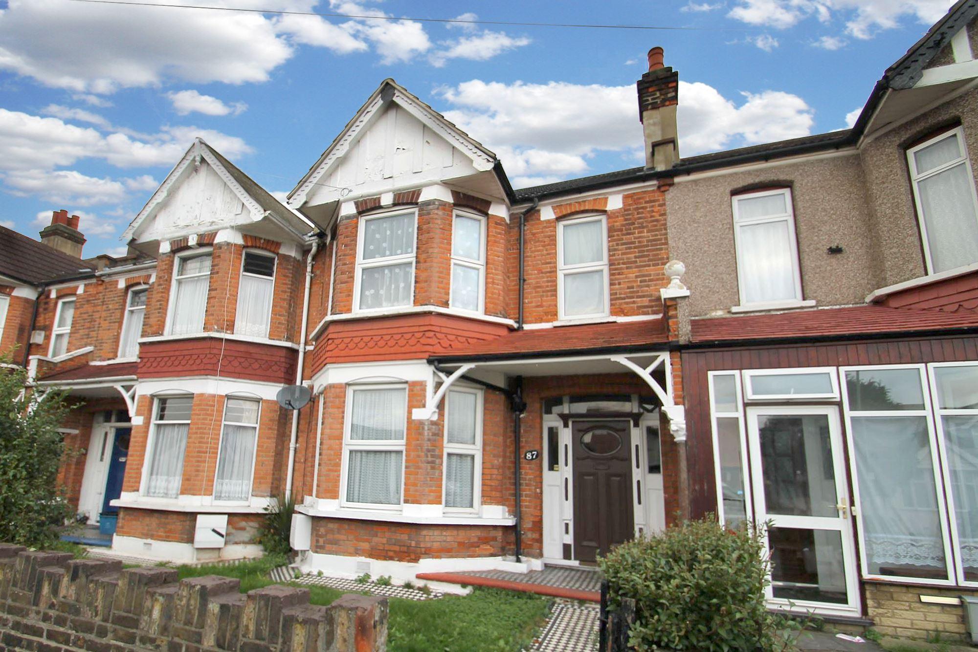 3 Bedroom Victorian House – Seven Kings IG3, £460,000.00